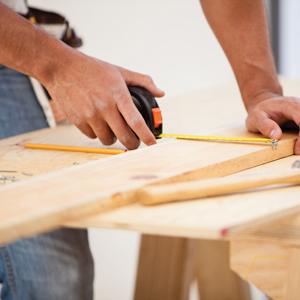 Timmerwerk door Joyfull Onderhoud, bedrijf werkzaam in vastgoedonderhoud